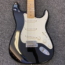 Fender Mexican Standard Stratocaster, Black (Pre-Owned)